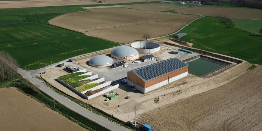 Ariège Biométhane: Une unité de méthanisation avec un bâtiment photovoltaïque en autoconsommation
